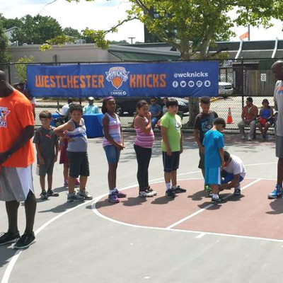 Kids participate in Westchester Knicks basketball clinic