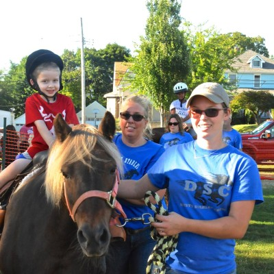 Dusty Stables provides pony rides